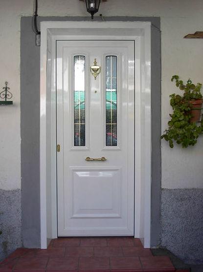 Puertas de entrada de aluminio productos y servicios de for Puertas de entrada de metal