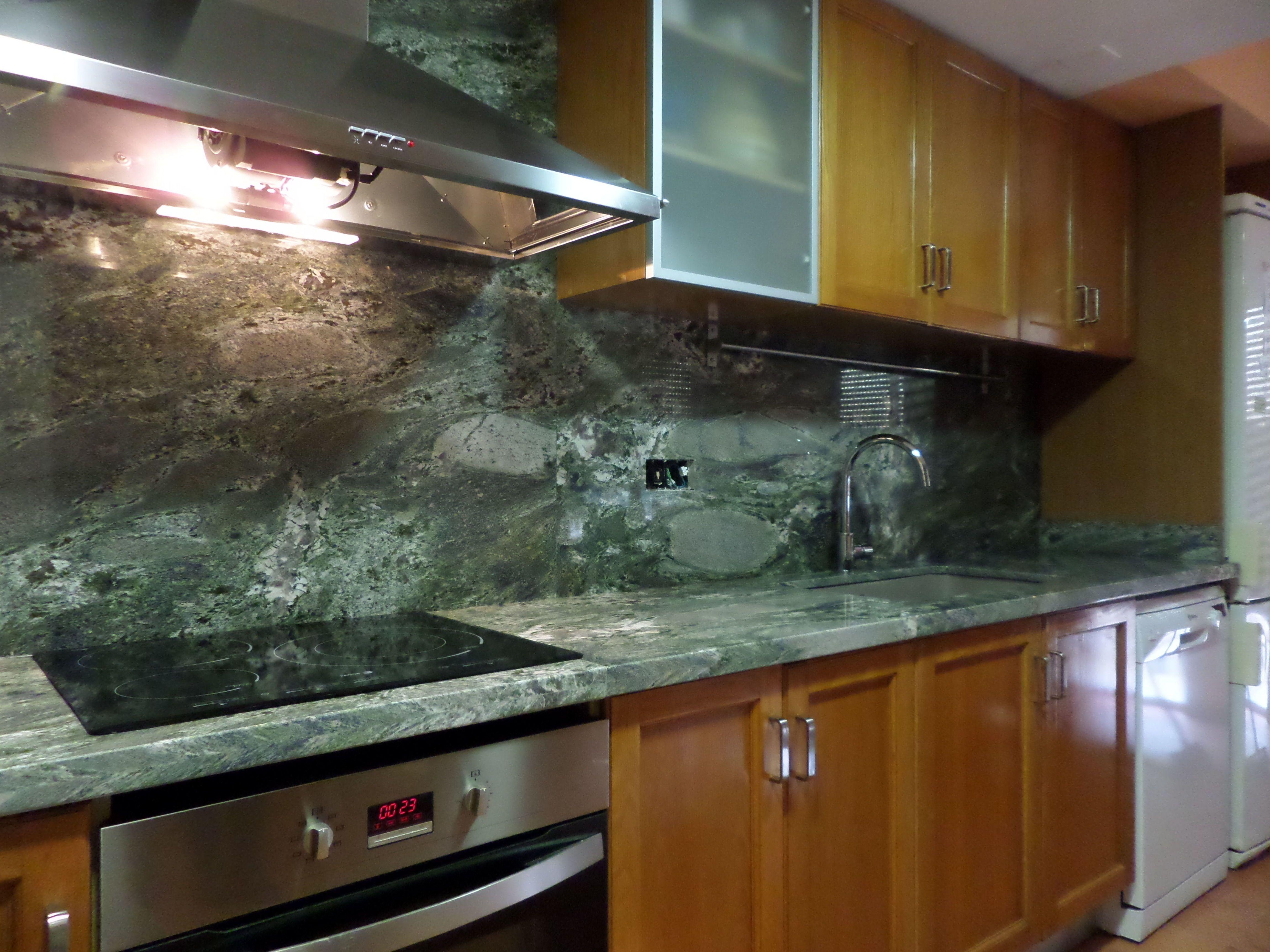 Encimera de granito en valencia a un precio insuperable en for Colores marmoles cocina