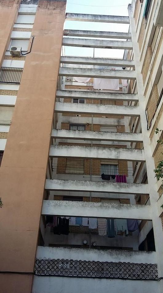 Pintura de edificios y estructuras sin andamios
