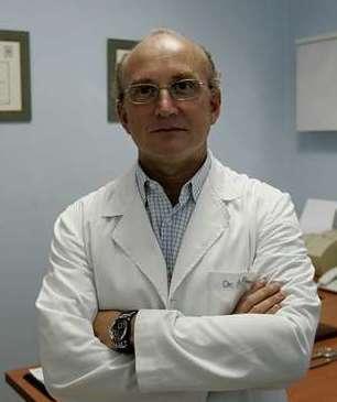 Foto 1 de Médicos especialistas Cirugía general y del aparato digestivo en Ourense | Dr. Alberto Parajó Calvo