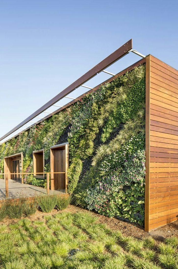Fachadas con jardines verticales for Jardines verticales