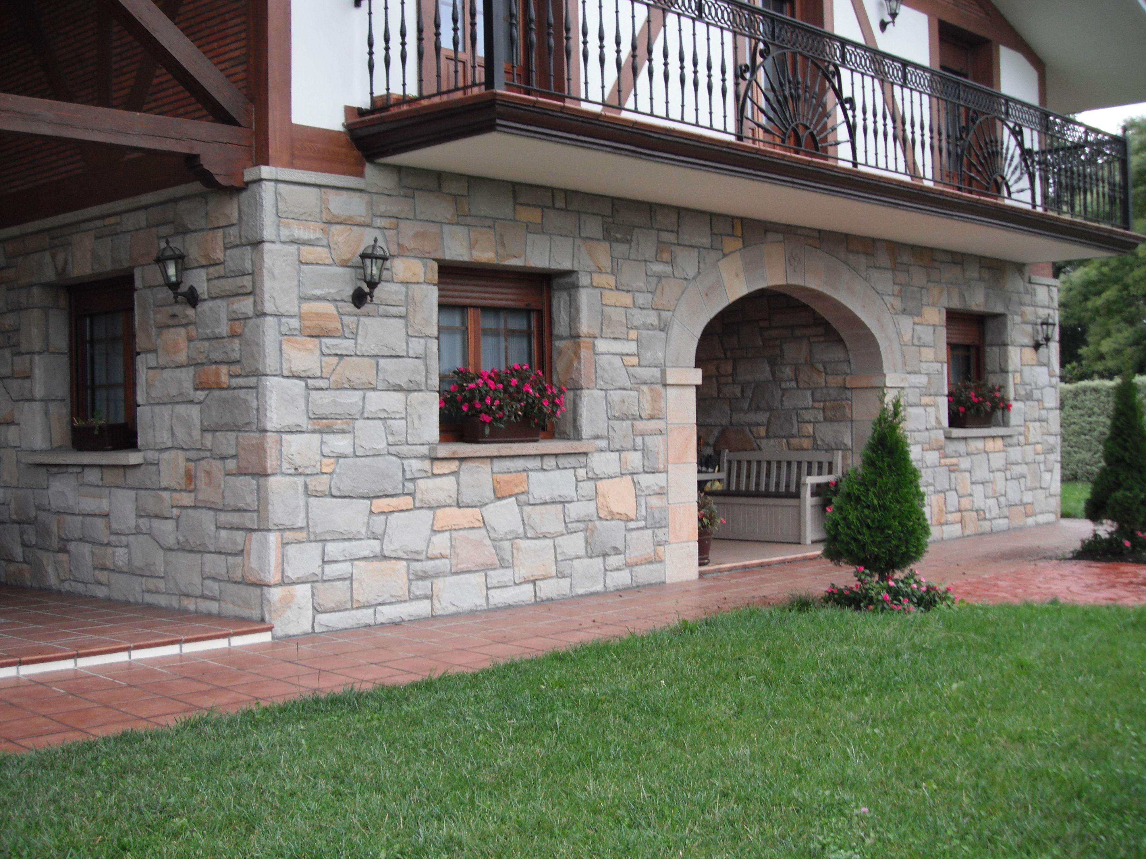 Foto 3 de piedra natural y artificial en construcciones for Piedra natural para fachadas precio