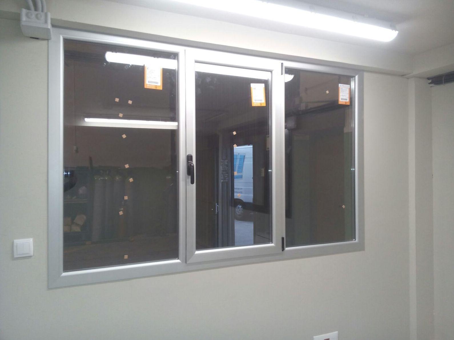 Foto 8 de Carpintería de aluminio, metálica y PVC en Vitoria-Gasteiz | Zurgal Aluminios, S.L.