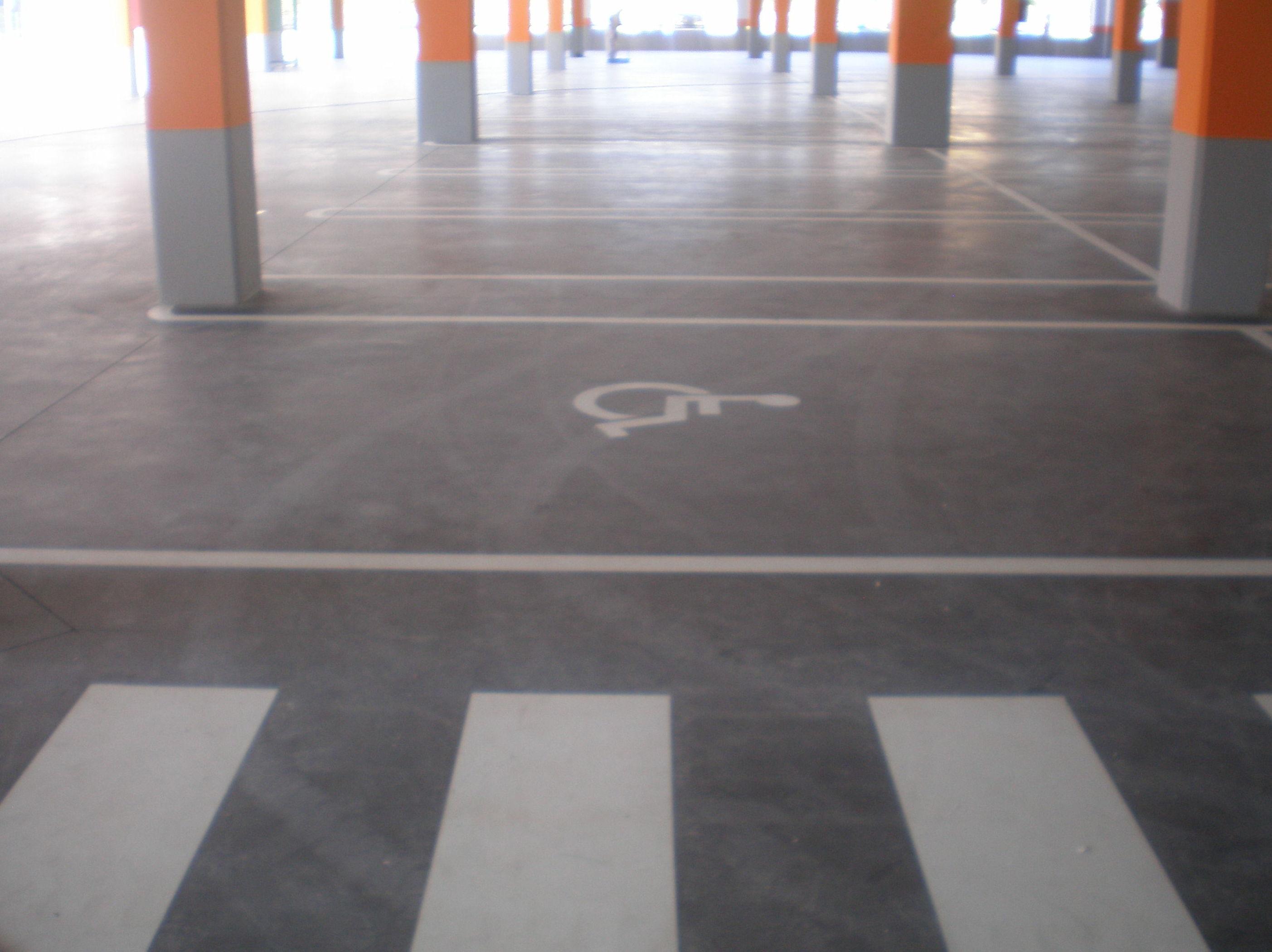 Pinturas suelos y se alizaci n parking qu hacemos de - Pintura suelo parking ...
