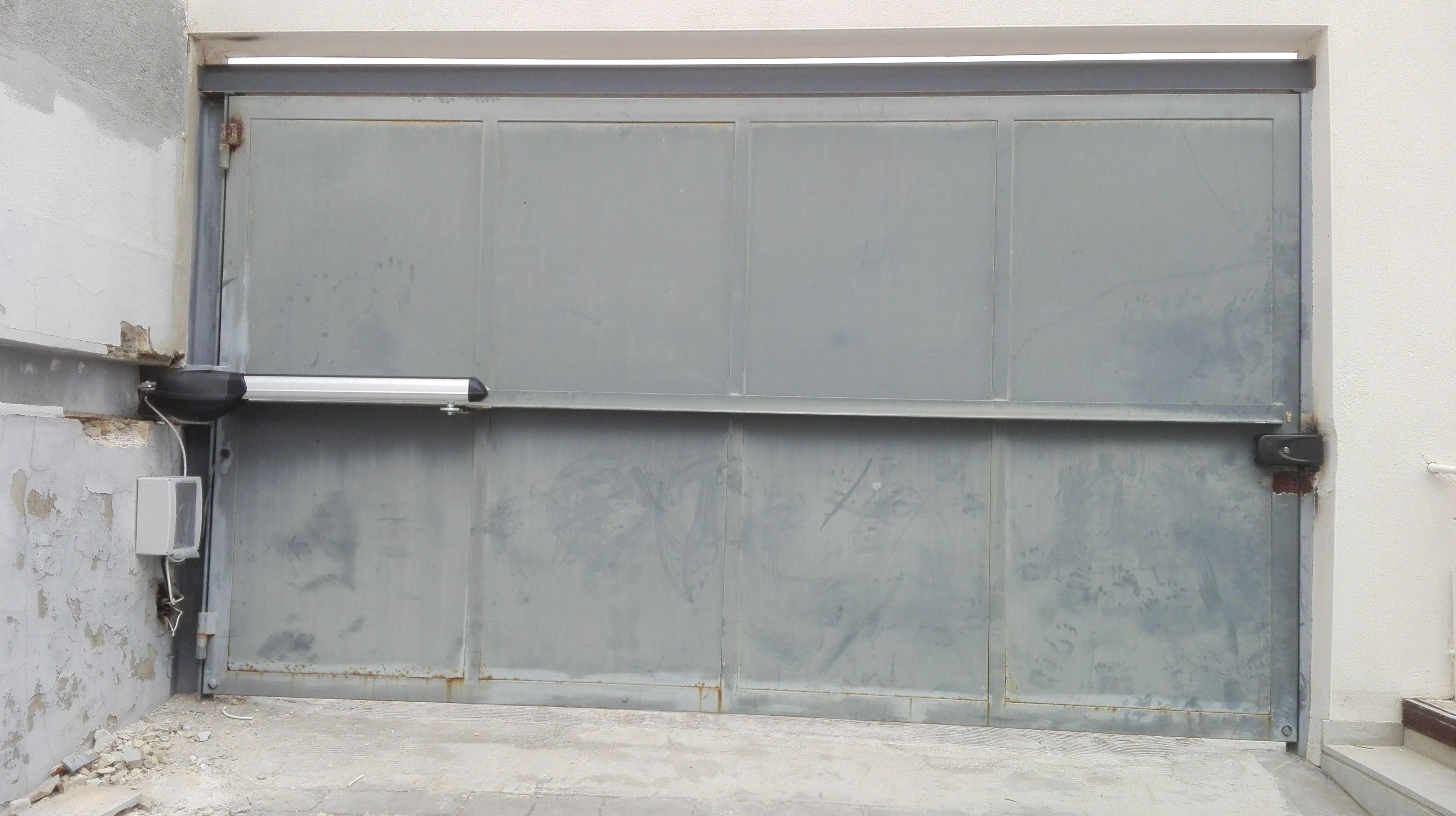 Automatizaci n de puerta batiente residencial motor for Motor puerta automatica