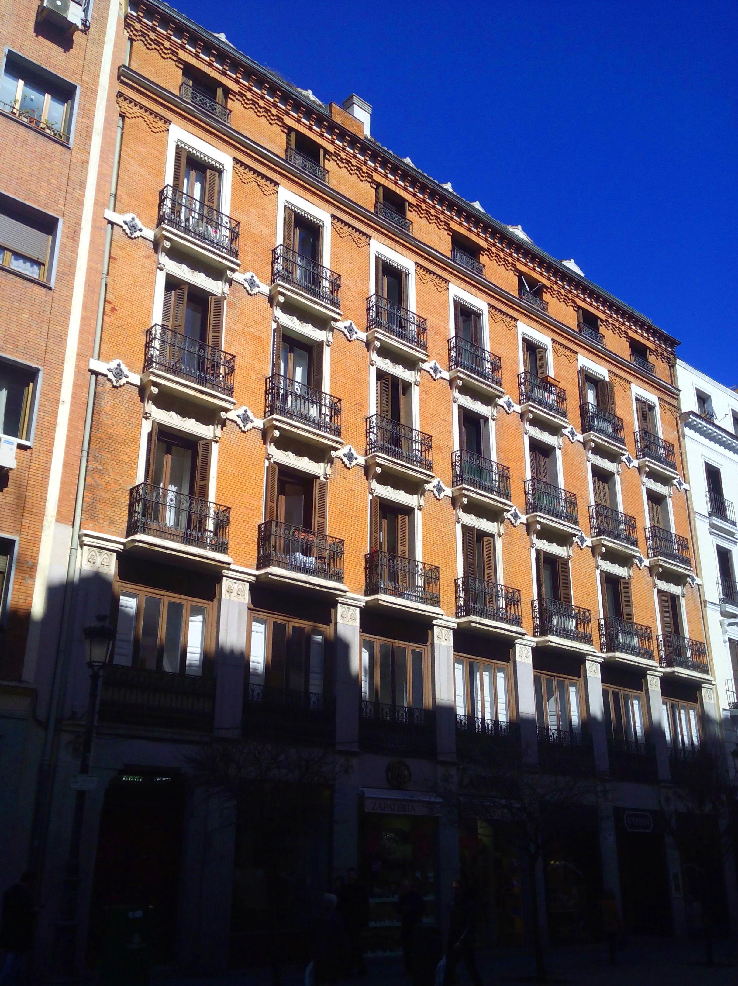 Obra apartamentos tur sticos centro de madrid obras servicios y tarifas de clima renova - Apartamento turistico madrid ...
