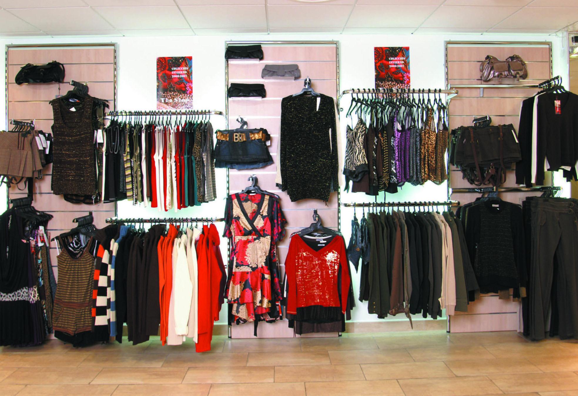 Estanterias para tiendas de ropa - Estanteria para ropa ...