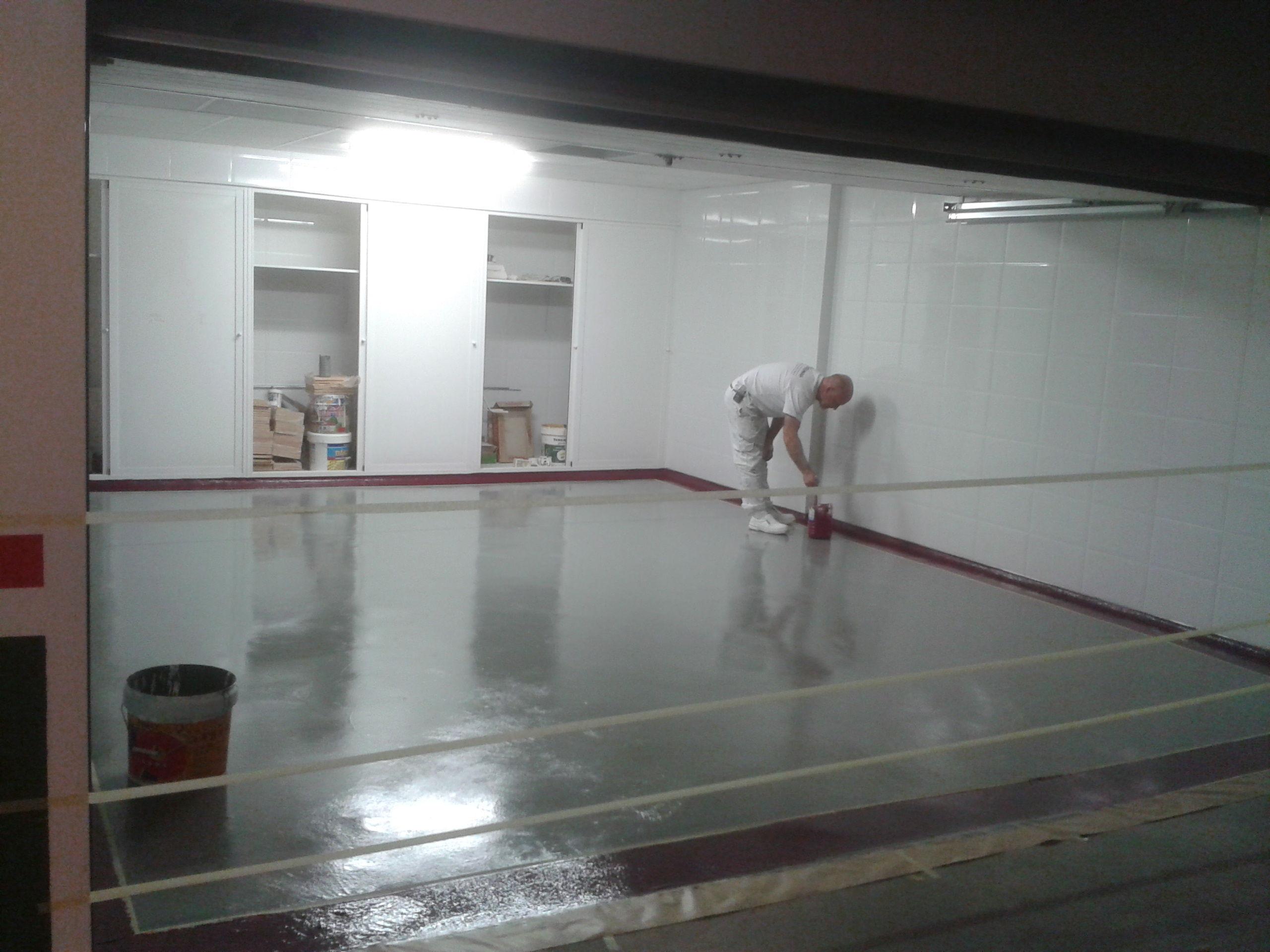Pintura de suelos trabajos pintura y decoracion de - Pintura de garaje ...