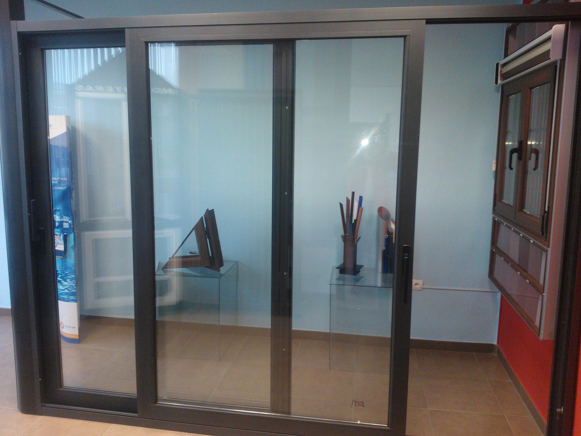 Correderas elevables aluminio y pvc productos y servicios for Correderas de aluminio
