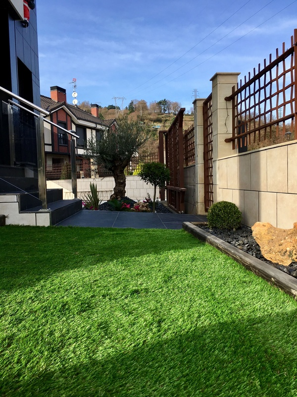 Servicio de instalación de césped artificial en Bilbao