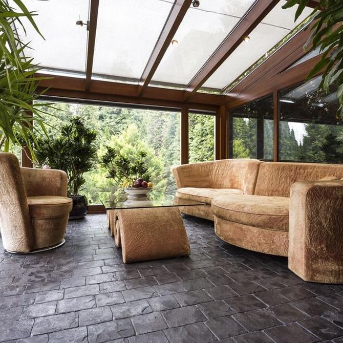 Apuesta por un techo fijo para tu terraza o ático