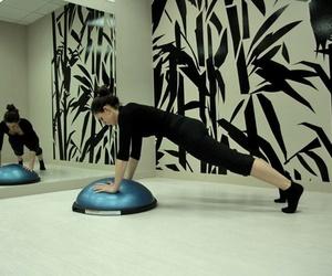 Clase de pilates en suelo en Alcobendas