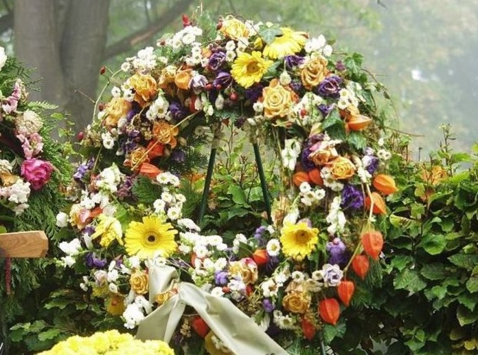 Flores y coronas para difuntos: Productos y servicios de Viveros Hortplant, S. L.