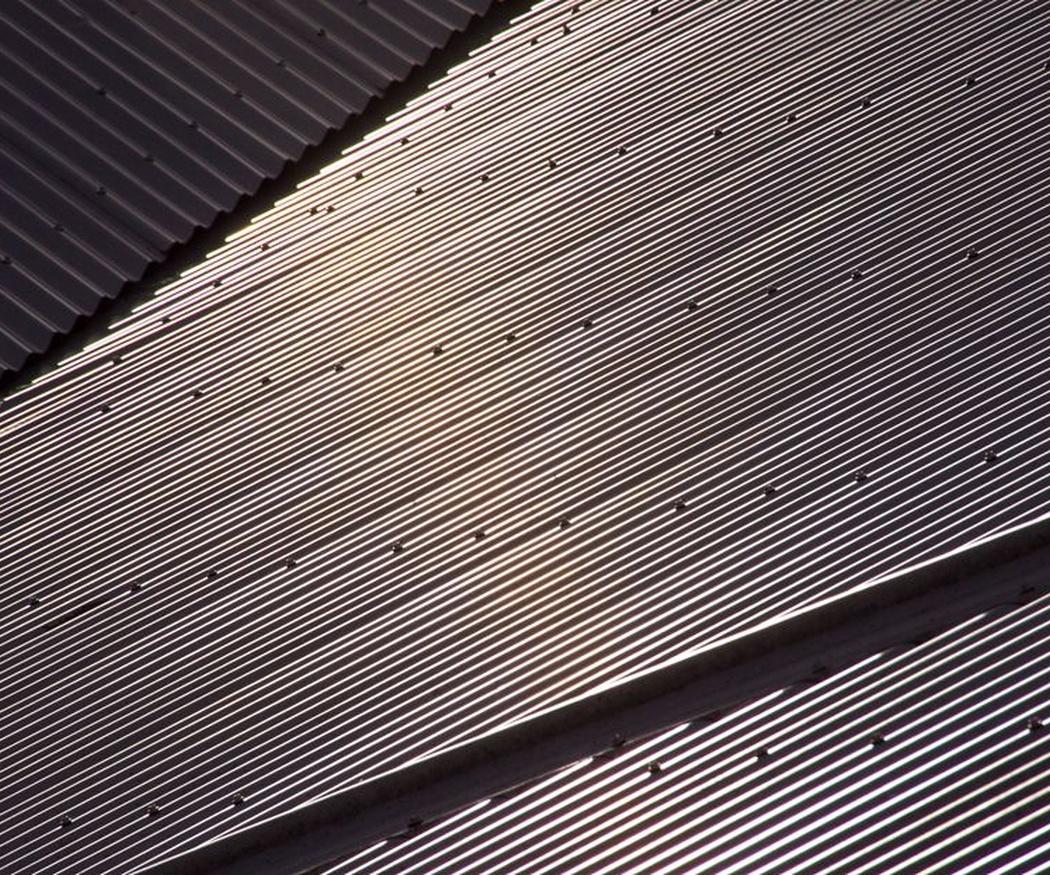 La versatilidad de los techos metálicos para tu negocio