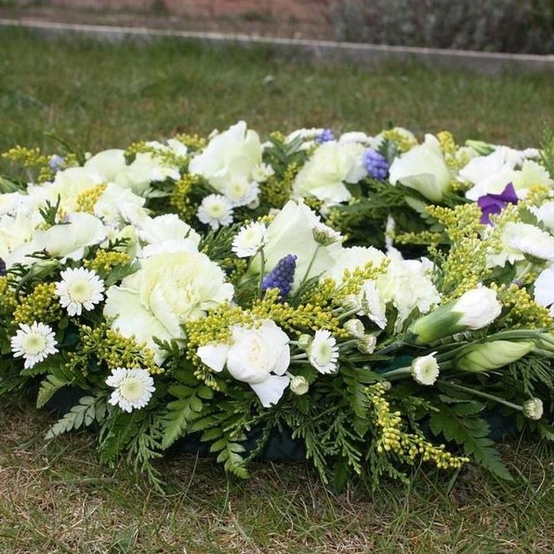 Servicio floristería: Prestaciones de Funeraria Luxor