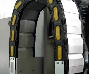 Cadena portacables BREVETTI STENDALTO de nylon con tapas de aluminio