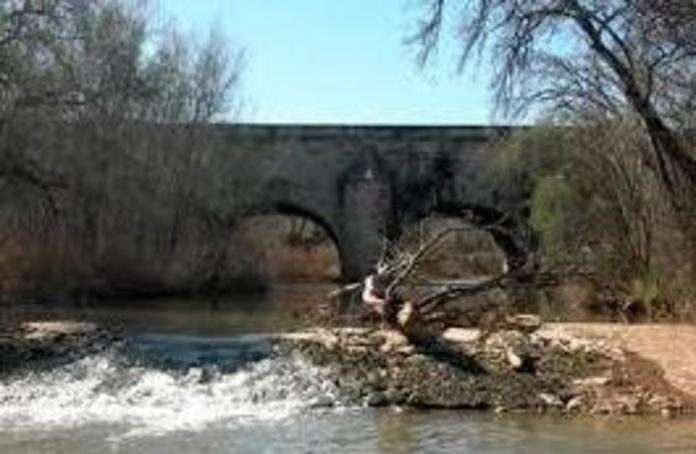 Alojamiento cerca del nacimiento del río Jalón en sória