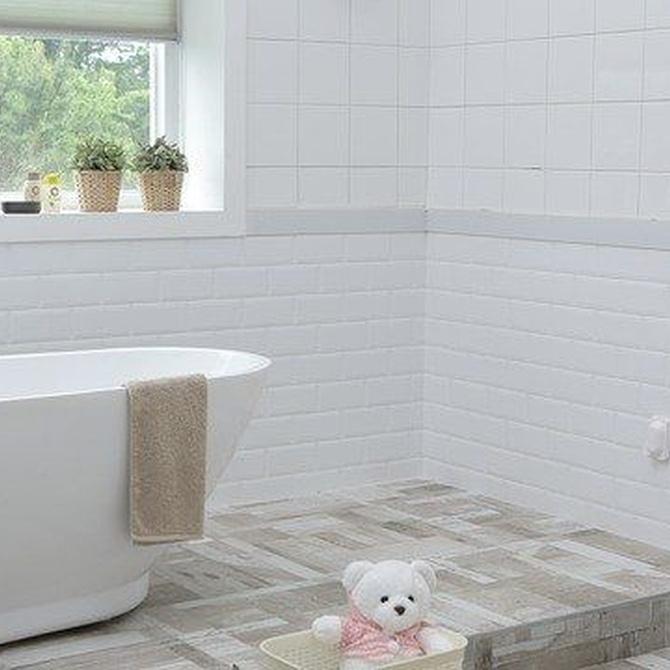 Suelos de madera para baños, ¿por qué no?