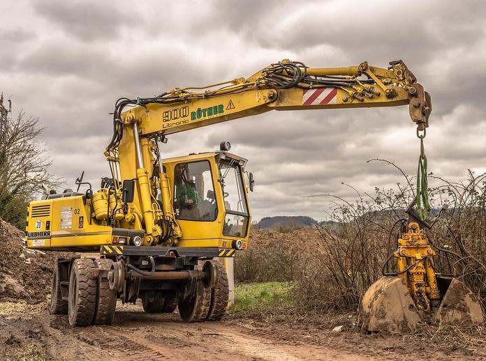 Alquiler de maquinaria con conductor: Nuestros servicios de Transports i Excavacions Carbonell Gelabert