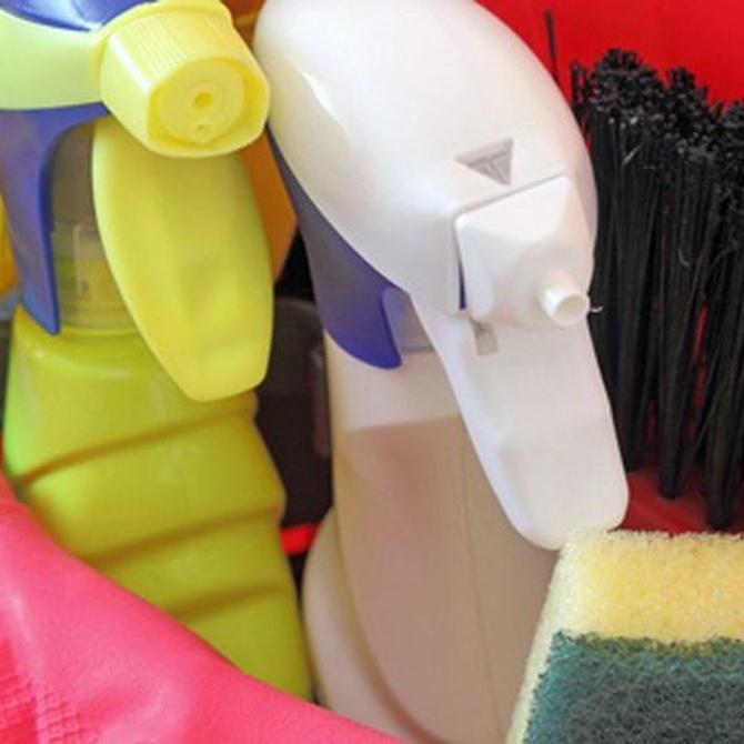 El amoniaco, producto fundamental en tareas de limpieza