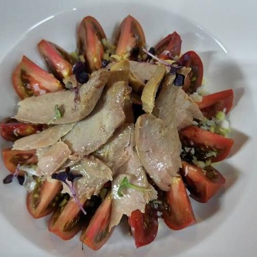 Paté de perdiz escabechada con foie micuit y mermeladas caseras