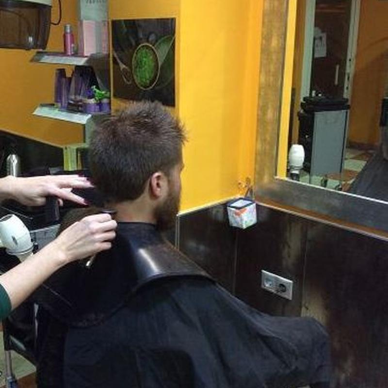 Cortes de pelo unisex: Servicios y Productos de Cómplices Peluquería y Estética