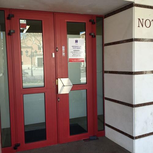 Notarios y registradores