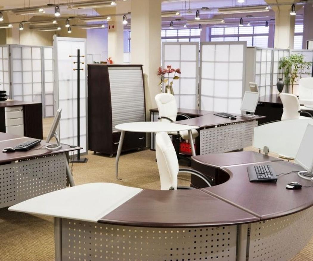 Las ventajas de las mamparas divisorias en oficinas