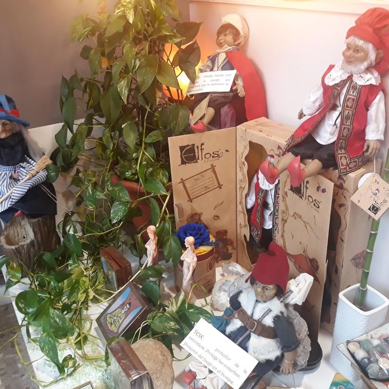 Elfos del escaparate: Servicios de Centro M.A.