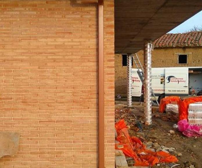 Canalón instalado en Cimanes de la Vega (León)