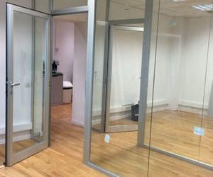 Especialistas en el trabajo con vidrio o cristal en Horta-Guinardó