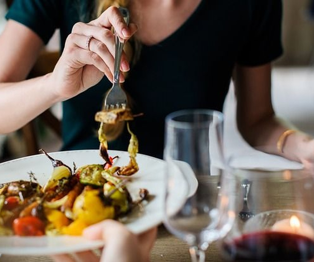 Comer bien en vacaciones y no volver con kilos de más ¡es posible!