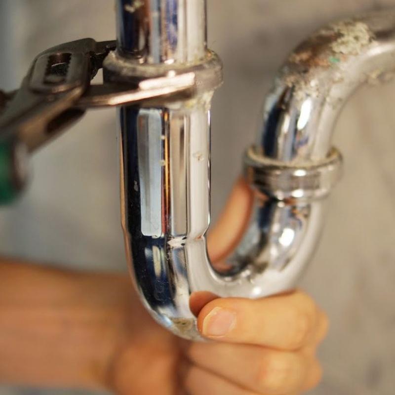 Reparación de bajantes y tuberías: Servicios de Fontanería Henaco