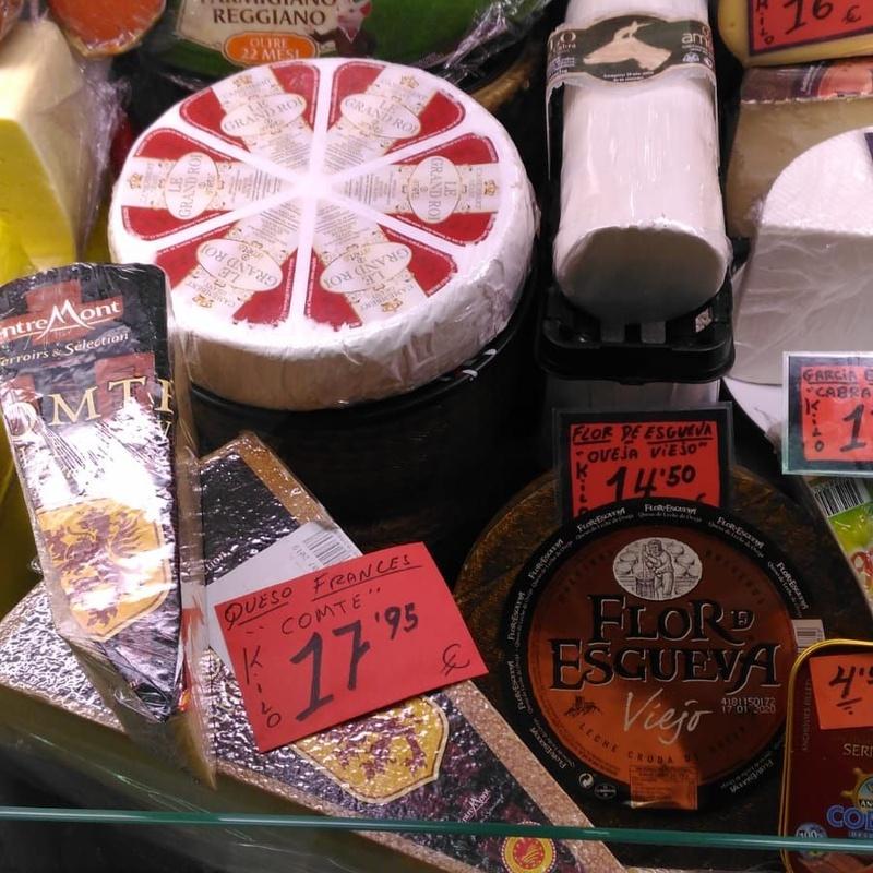 Quesos: Productos de Comestibles y Salazones Paco y Mari