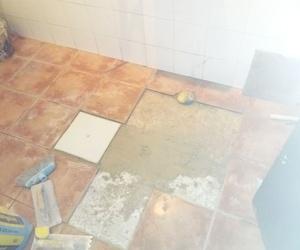 instalacion arqueta en suelo de baño