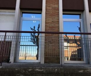 Láminas de control solar de interior y exterior