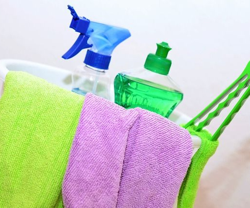 Mezclas peligrosas de productos para dejar la casa reluciente