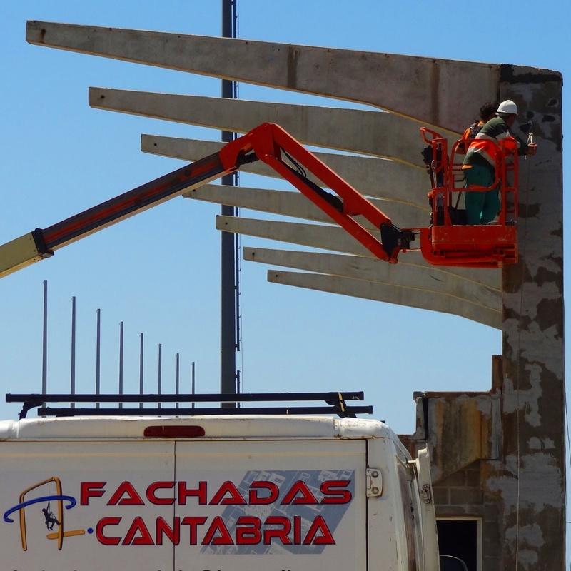 Reparación de estructura de hormigón Campo de fútbol de Cueto - Santander.