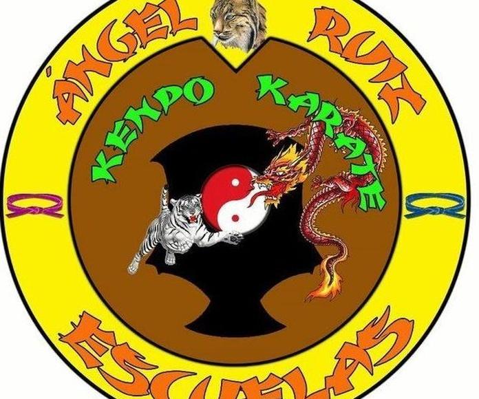 Escudo de las Escuelas de Kenpo Ángel Ruiz