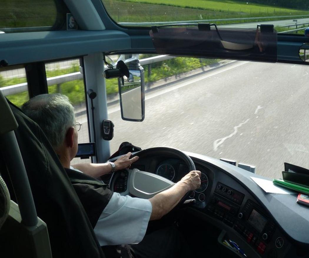 Ventajas de contratar un autobús para bodas
