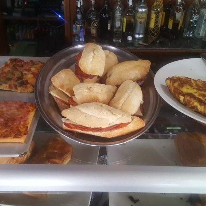 Montaditos: Especialidades de Café Bar Restaurante El Remolino