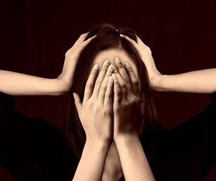 Qué es el trastorno delirante: síntomas y tratamiento