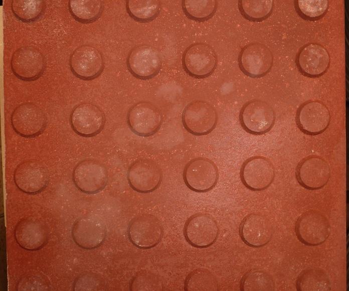 acera 30x30 botones roja