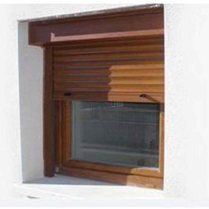 Persiana enrollable de aluminio imitación madera