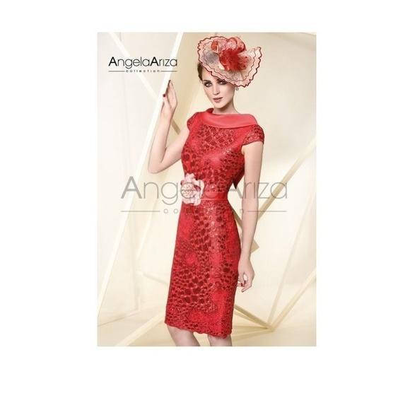 Angela Ariza: Vestidos y complementos   de Caprichos