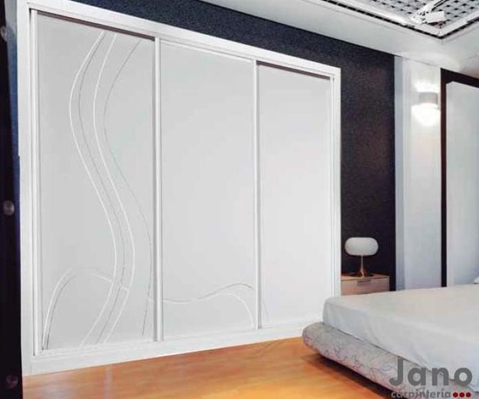 Modelo 991 Espectacular armario lacado de diseño a media, fabricamos y personalizamos su armario al mejor precio de Madrid y Toledo