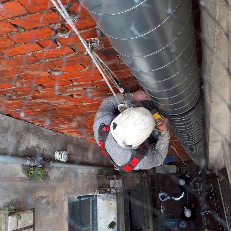 Salidas de extración - instalaciones y bajantes de fachadas