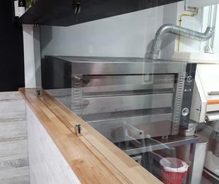 Cerramiento en cocina de restaurante