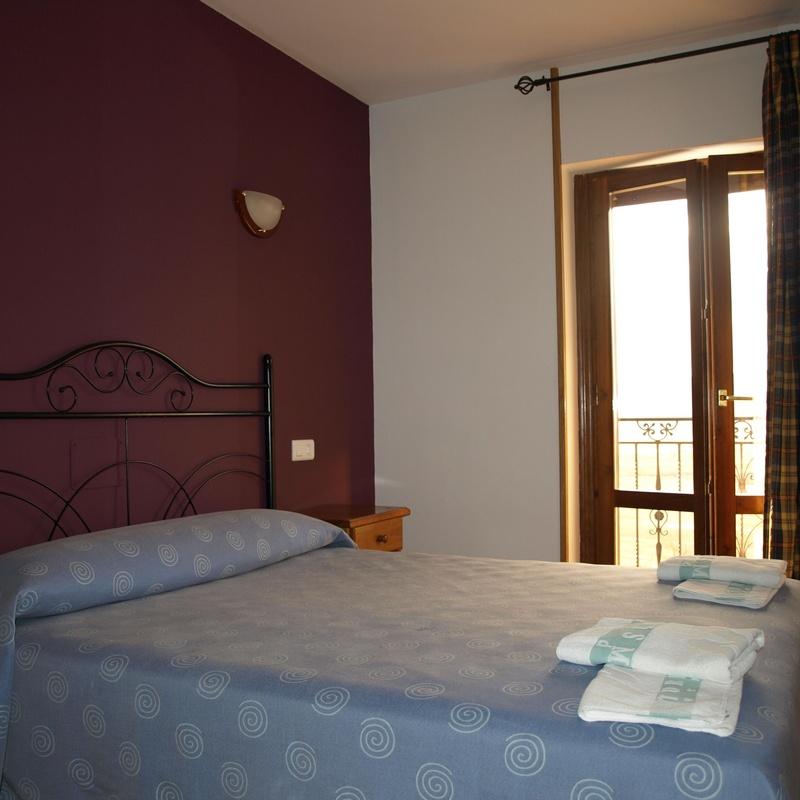 Habitaciones Standard: Servicios e Instalaciones de Casa Rural El Churrón