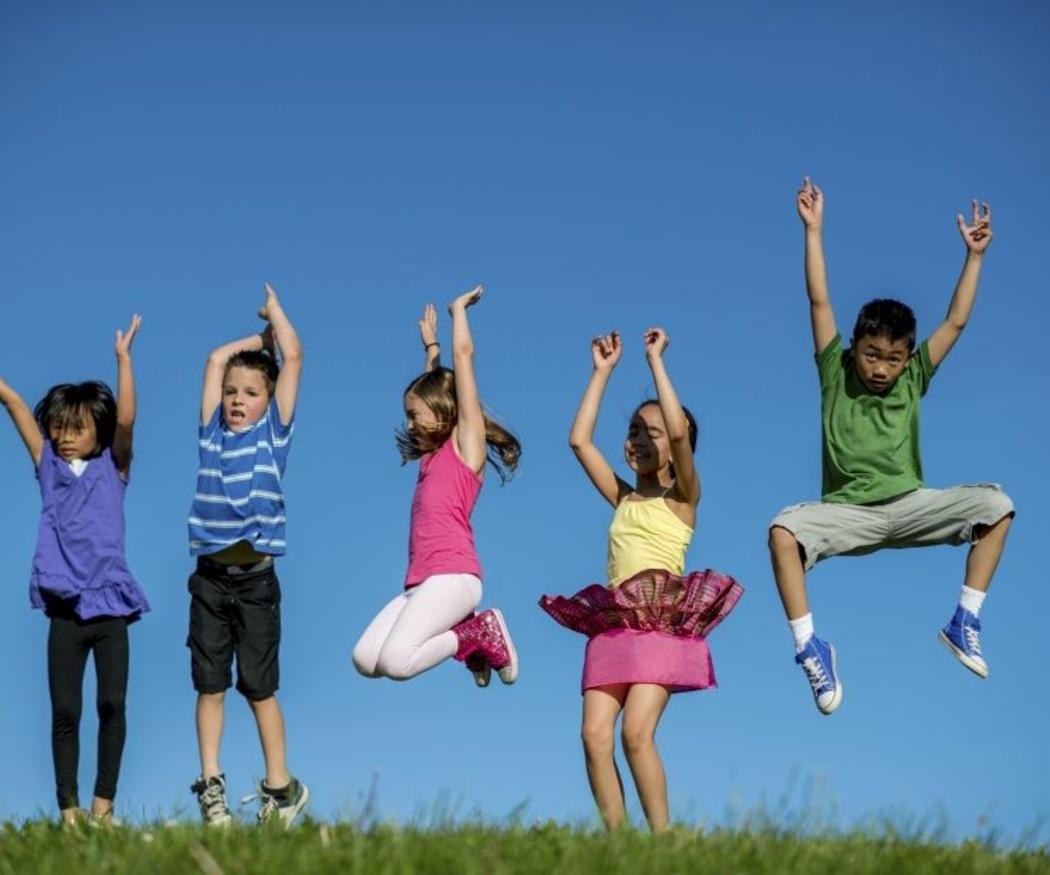 Niños a la moda con color y calor